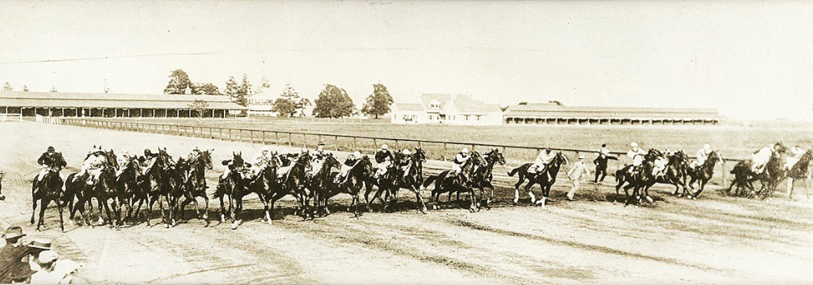 1995.1.1102: Start of the 1902 Futurity (Museum Collection)