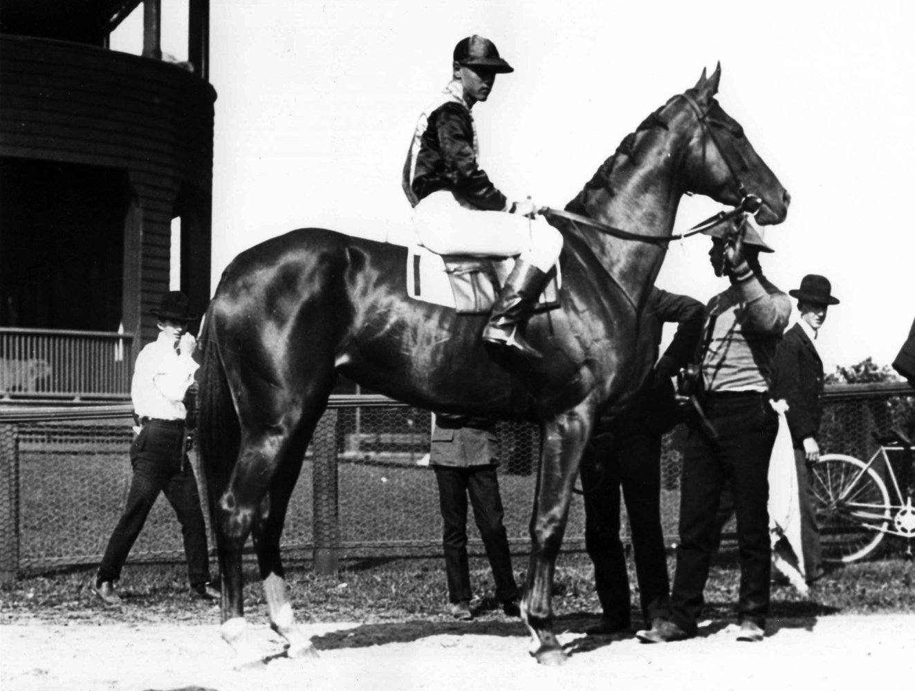 Beldame (Frank O'Neill up) in the winner's circle for the 1904 Alabama at Saratoga (Keeneland Library Cook Collection/Museum Collection)