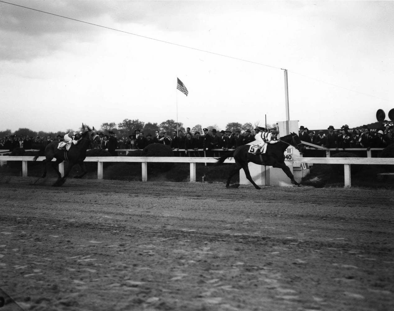 Bimlech (Fred A. Smith up) winning the 1940 Preakness at Pimlico (Keeneland Library Morgan Collection/Museum Collection)