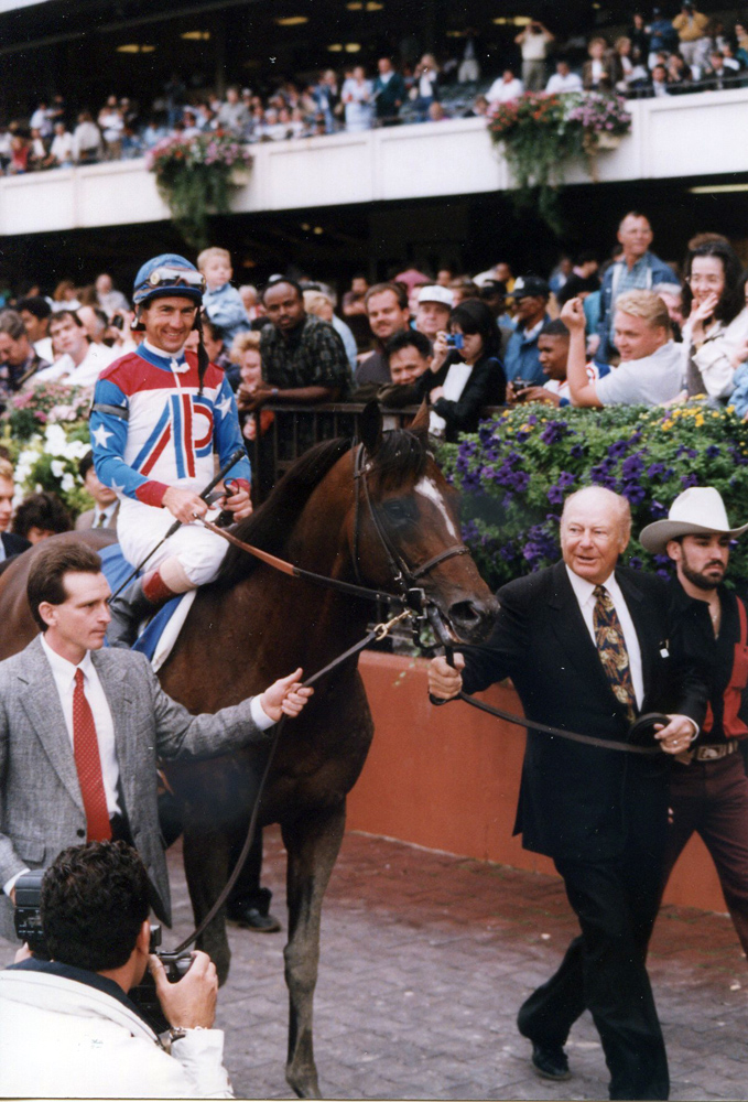 Cigar (Jerry Bailey up) entering the winner's circle after winning the 1995 Woodward (Barbara Ann Giove Coletta/Museum Collection)
