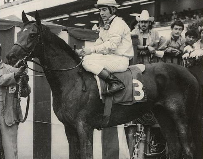 Desert Vixen in the winner's circle (NYRA/Bob Coglianese /Museum Collection)