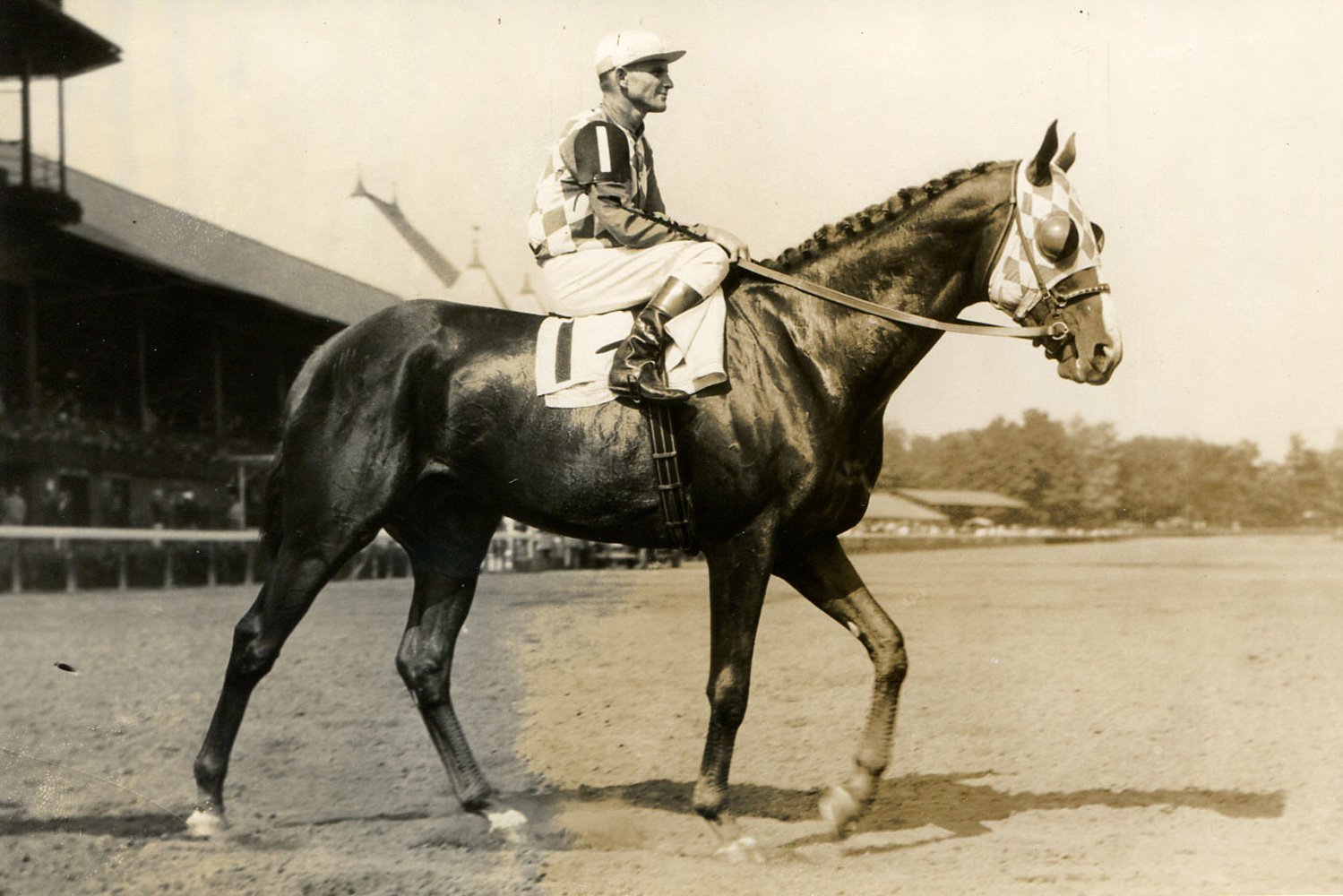Discovery (John Bejshak up) at Saratoga, August 1935 (Museum Collection)