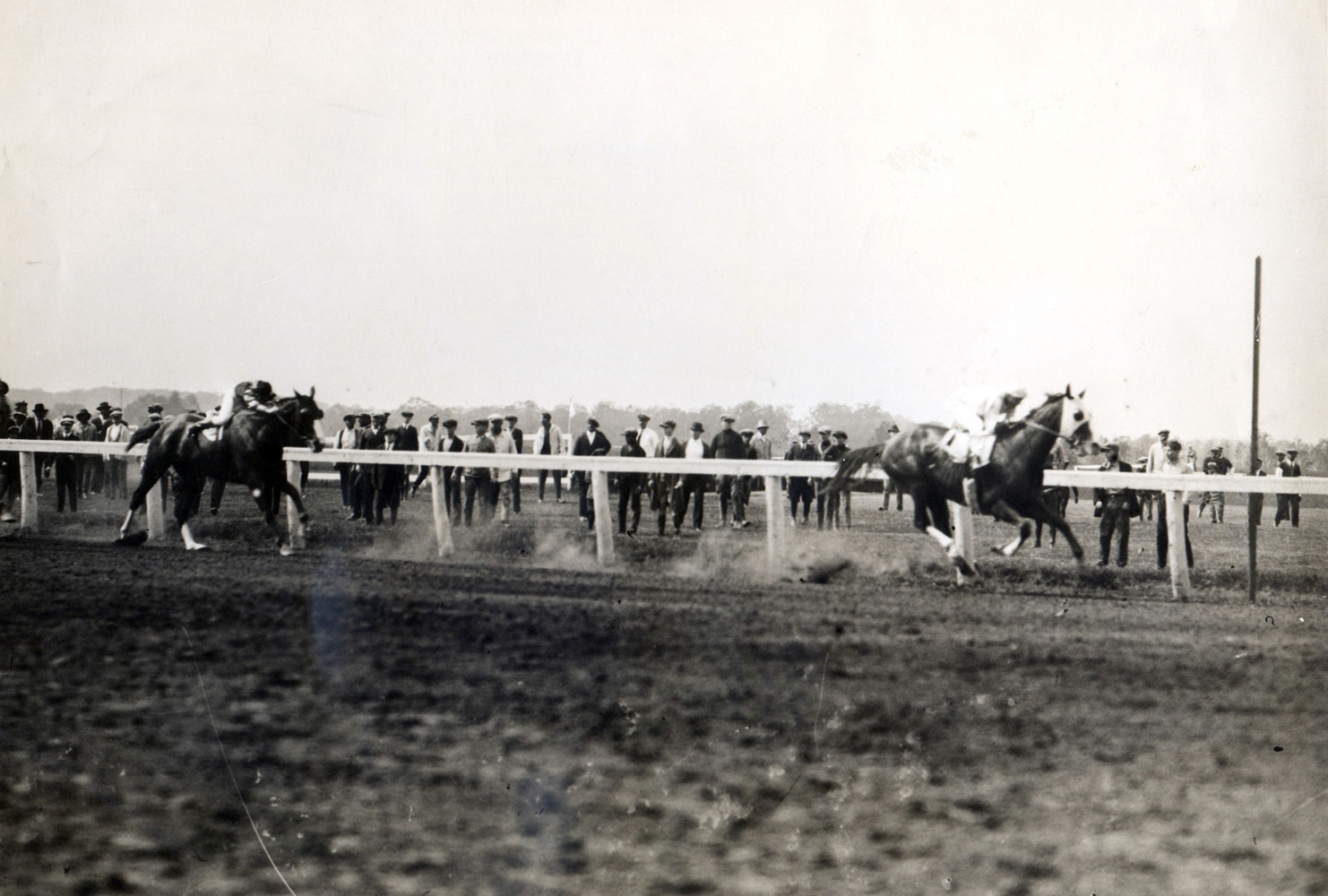Grey Lag (Earl Sande up) winning the 1923 Metropolitan Handicap at Belmont Park (Paul Thompson/Museum Collection)