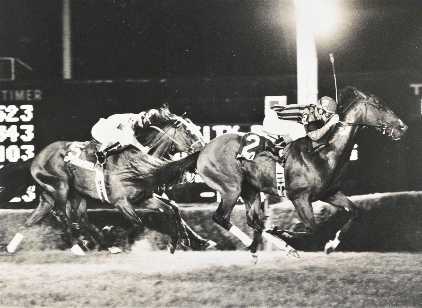 Manila (Jose Santos up) setting a record in the United Nations Handicap at Atlantic City Race Course, August 1986 (Jim Raftery Turfotos)