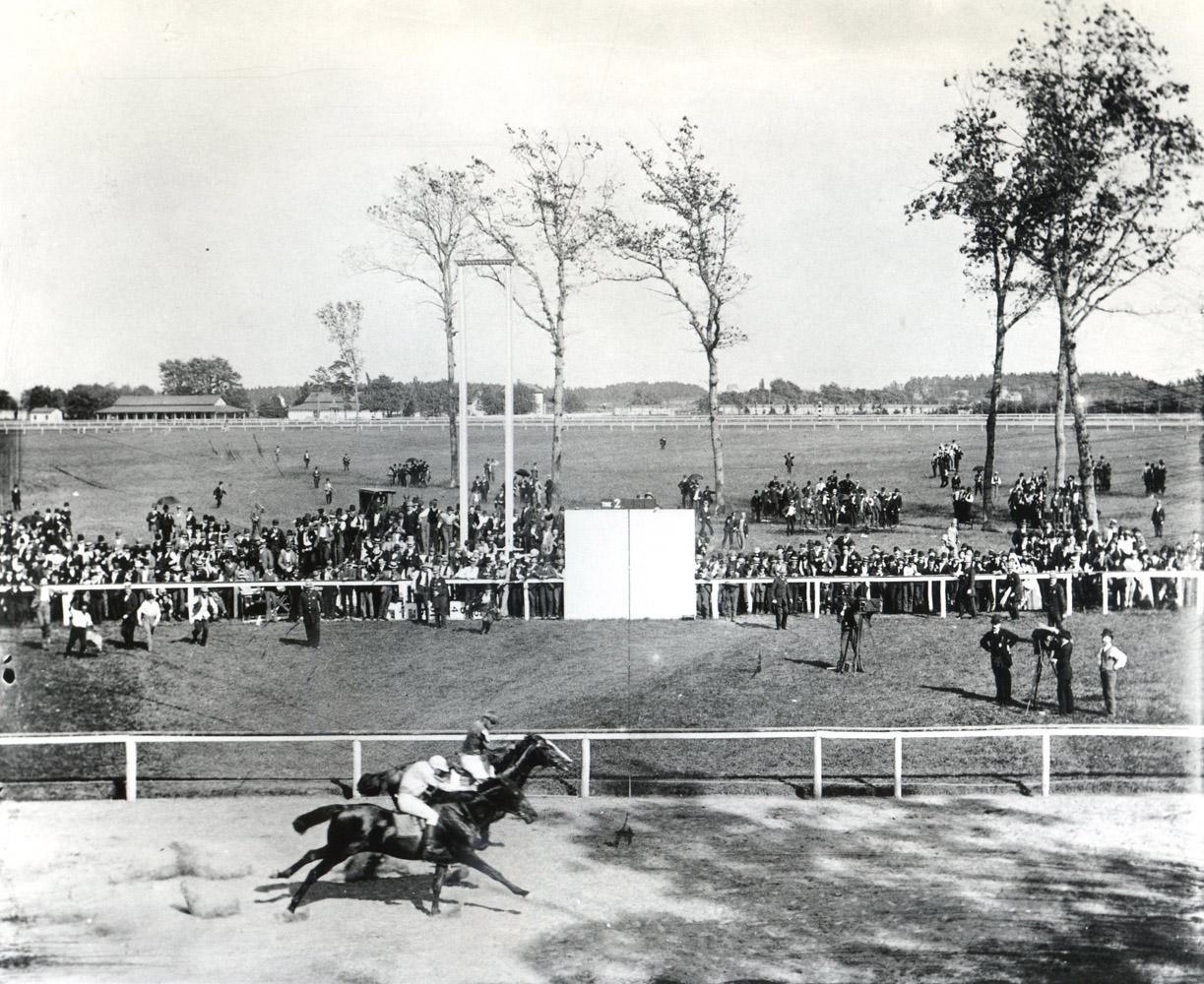 Salvator (Isaac Murphy up) defeating Tenny (Snapper Garrison up) in their famous match race at Sheepshead Bay in 1890 (Keeneland Library Hemment Collection/Museum Collection)