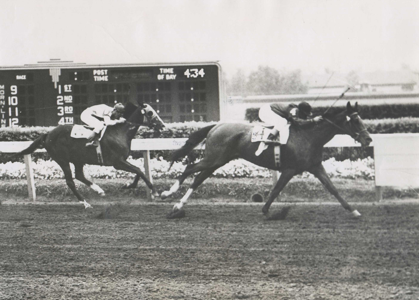 Two Lea (Steve Brooks up) winning the 1949 Artful Stakes at Washington Park (Washington Park Photo/Museum Collection)