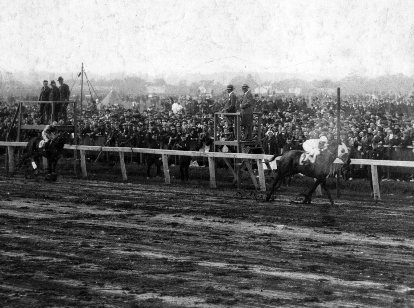 Zev (Earl Sande up) defeating Papyrus in their famous match race at Belmont Park, October 1923 (Museum Collection)