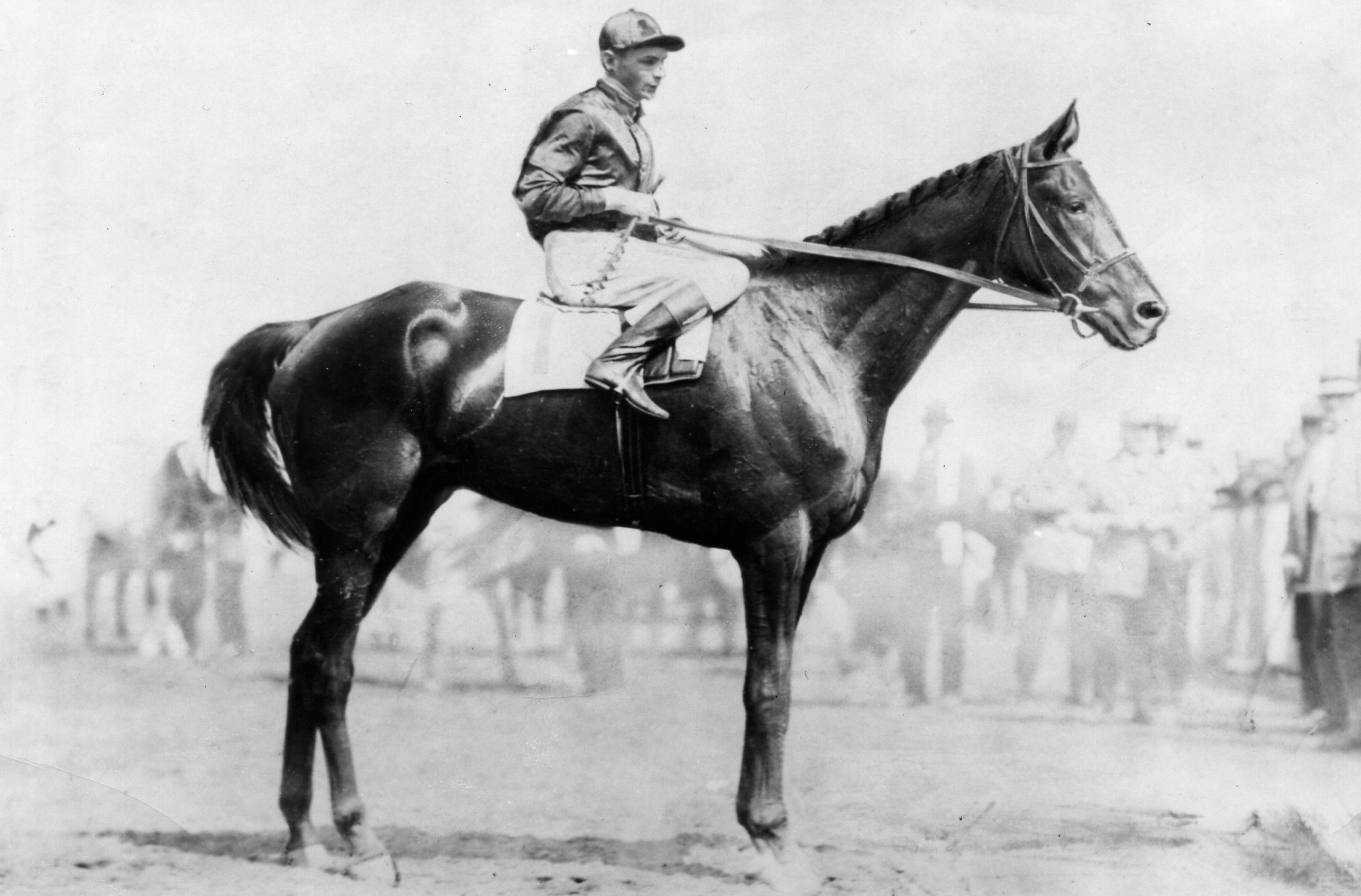 Exterminator (Albert Johnson up) at Saratoga in 1918 (Museum Collection)