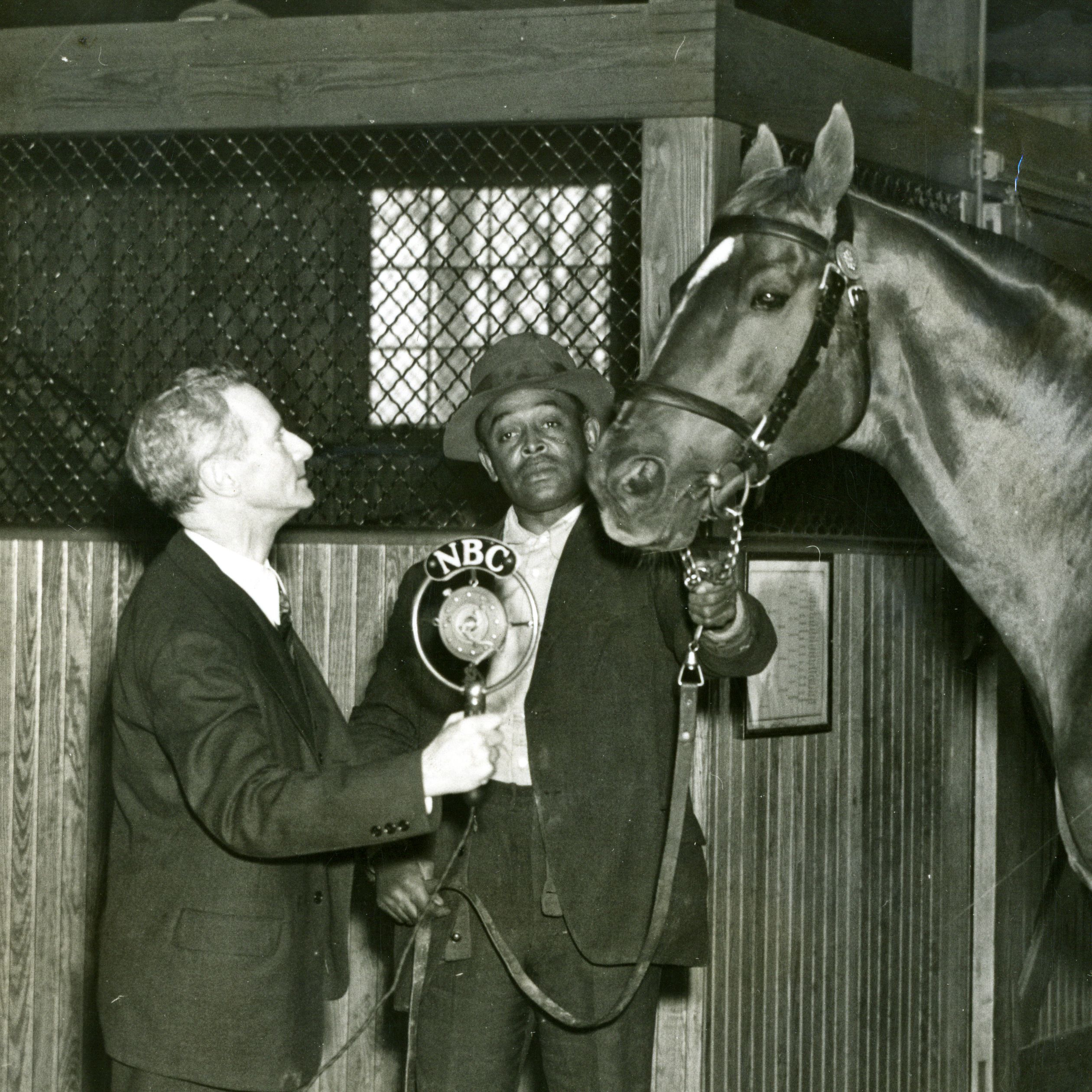 Man o' War with Clem McCarthy, left, and Will Harbut (Keeneland Library Cook Collection)