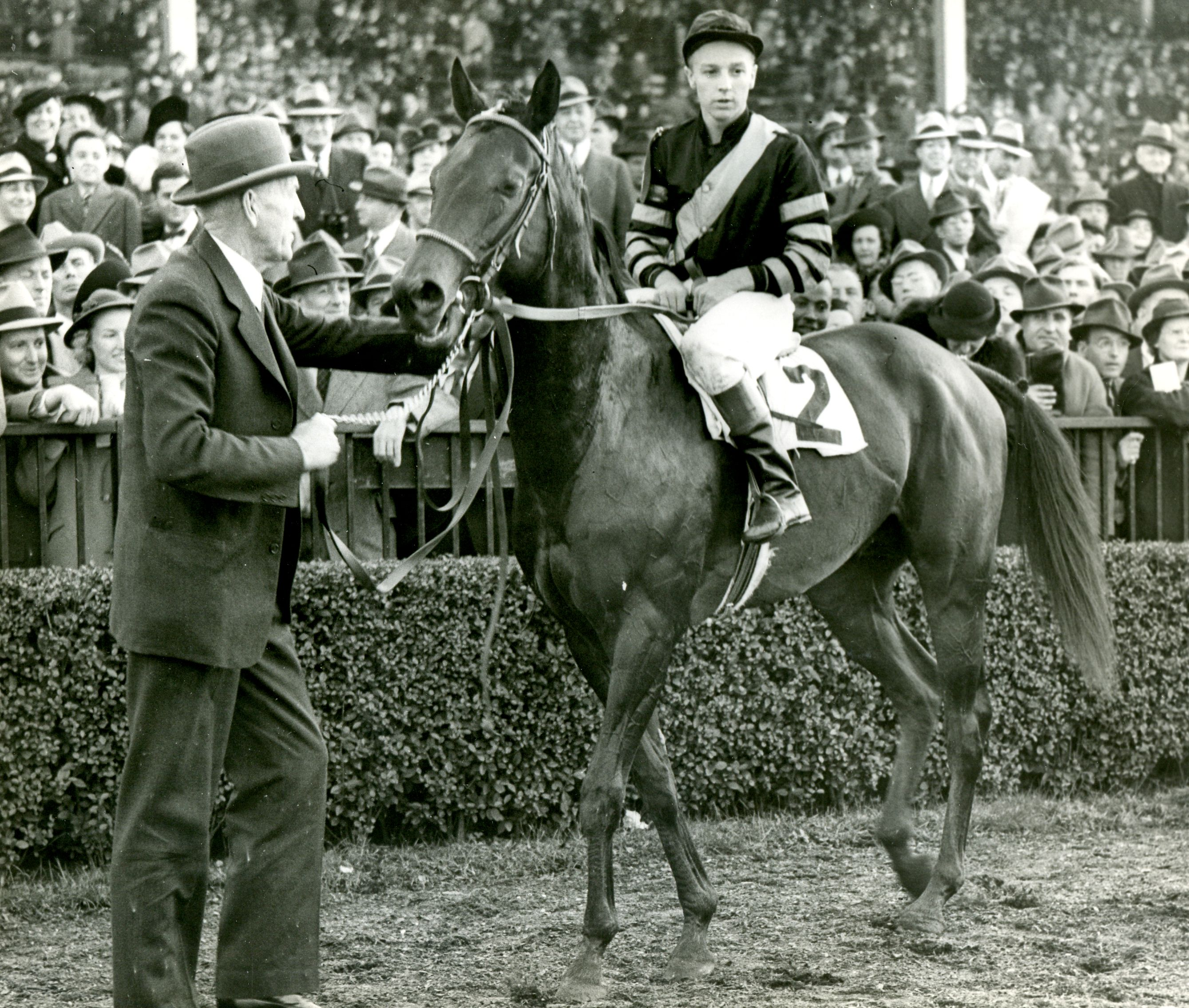 War Admiral with Charles Kurtsinger up (Museum Collection)