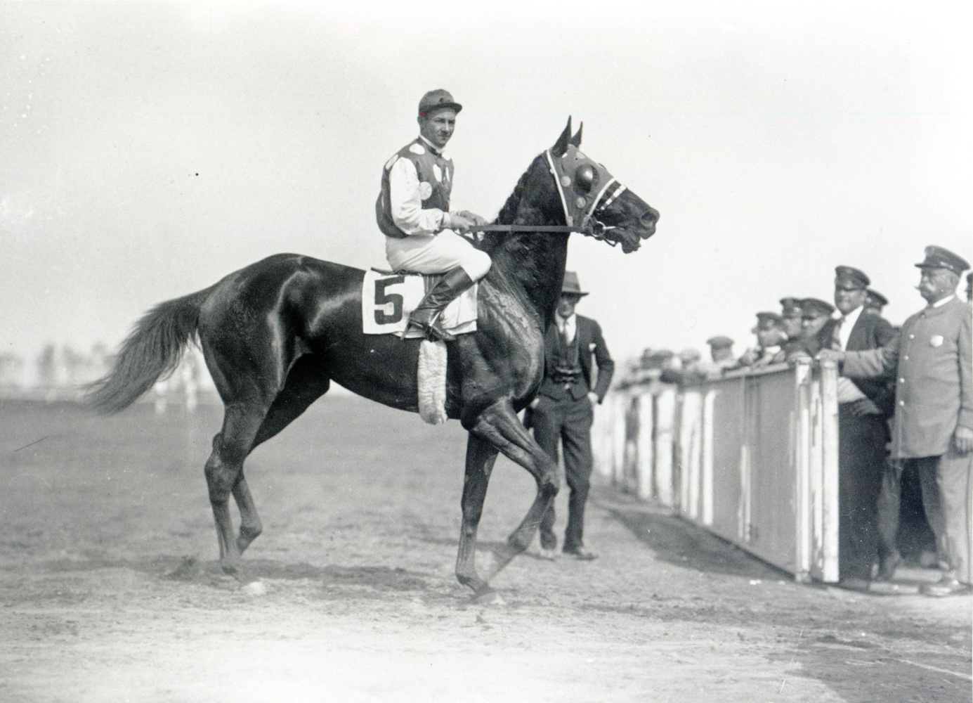 Laverne Fator and Black Maria (Keeneland Library Cook Collection/Museum Collection)