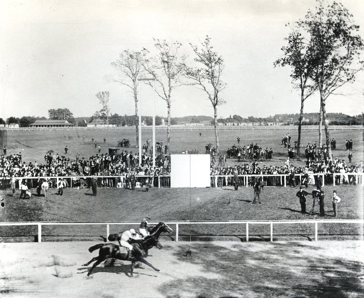 Isaac Murphy and Salvator defeating Snapper Garrison in Tenny in their match race at Sheepshead Bay in 1890 (Keeneland Library Hemment Collection/Museum Collection)