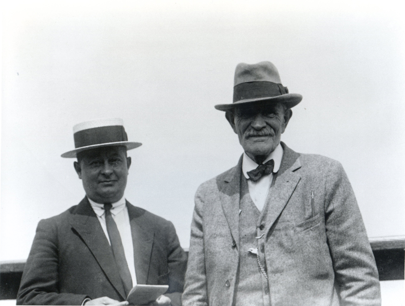 Winfield O'Connor and an unidentified man (Keeneland Library Cook Collection)