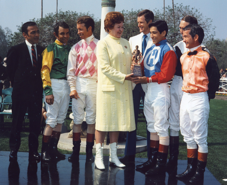 Laffit Pincay, Jr. receiving the 1970 George Woolf Memorial Award at Santa Anita Park (Bill Mochon/Museum Collection)