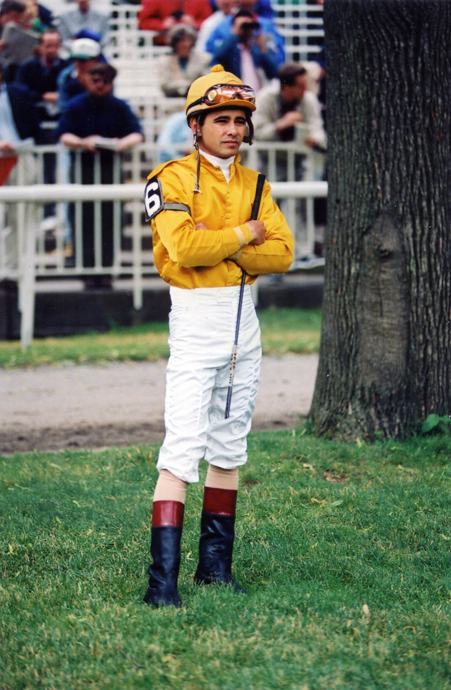 Mike Smith in the Belmont Paddock, 1992 (Barbara D. Livingston/Museum Collection)