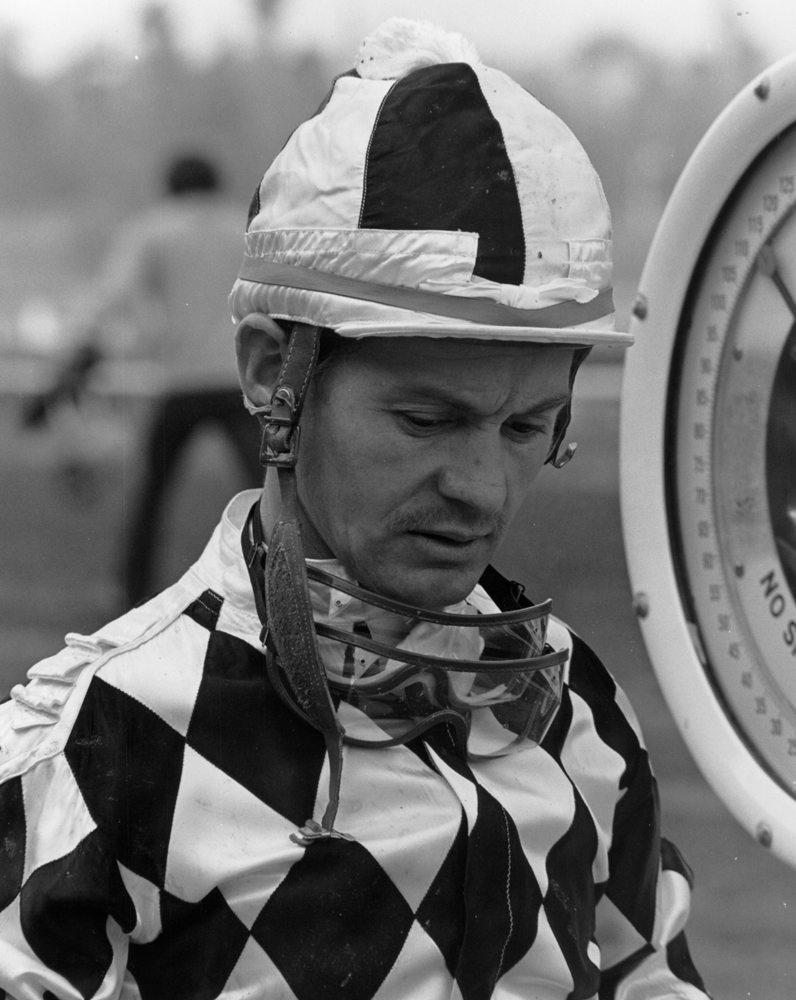 Ron Turcotte at Santa Anita, October 1974 (Bill Mochon/Museum Collection)