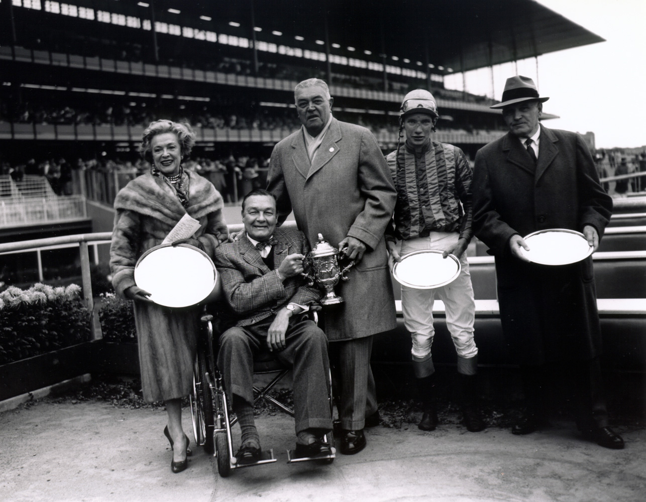 Winner's circle presentation for the 1959 American Grand National at Aqueduct, won by Sun Dog and Tommy Walsh (Keeneland Library Morgan Collection/Museum Collection)