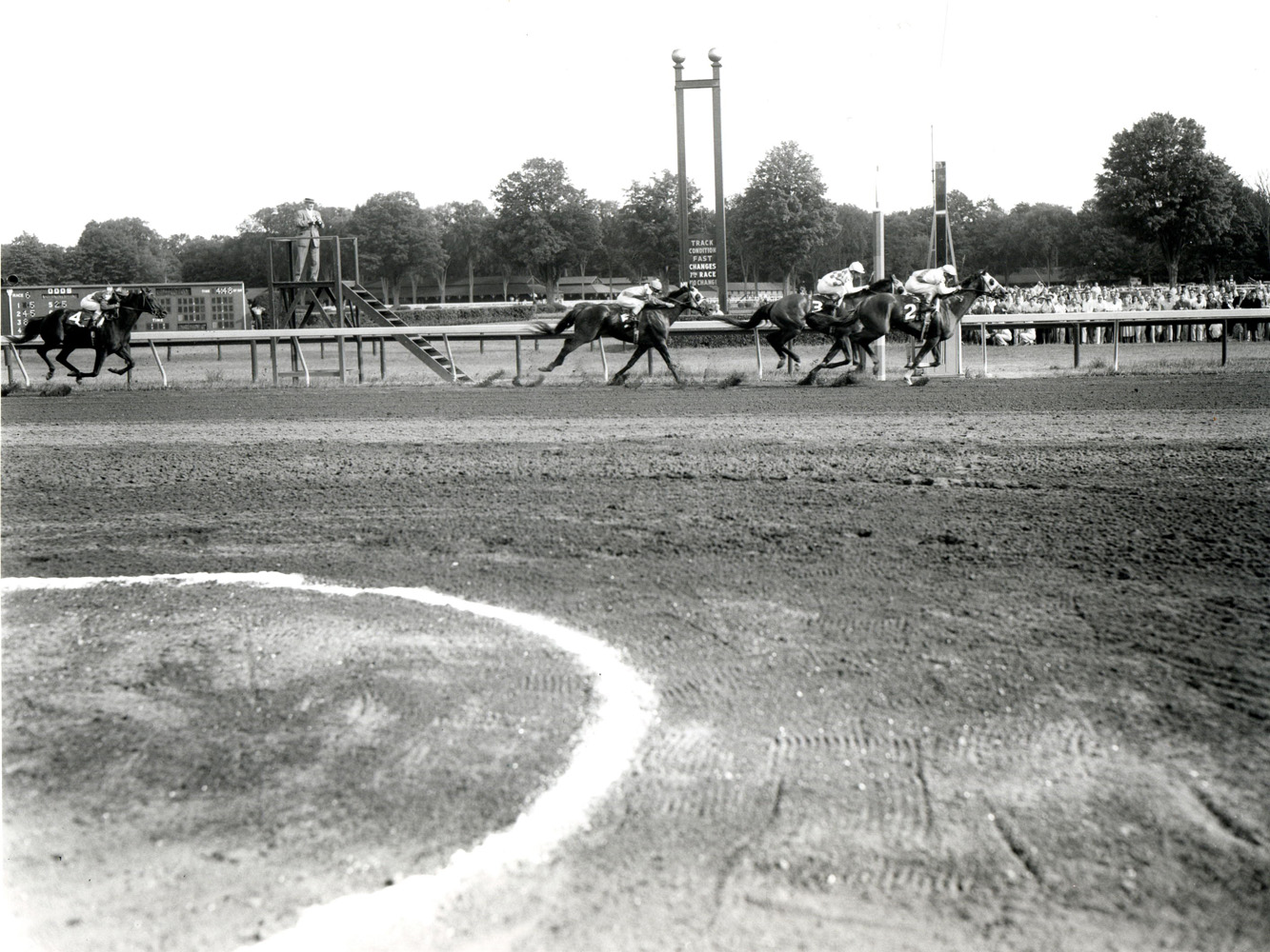 Manny Ycaza and Sword Dancer win the 1959 Travers Stakes at Saratoga (Keeneland Library Morgan Collection/Museum Collection)