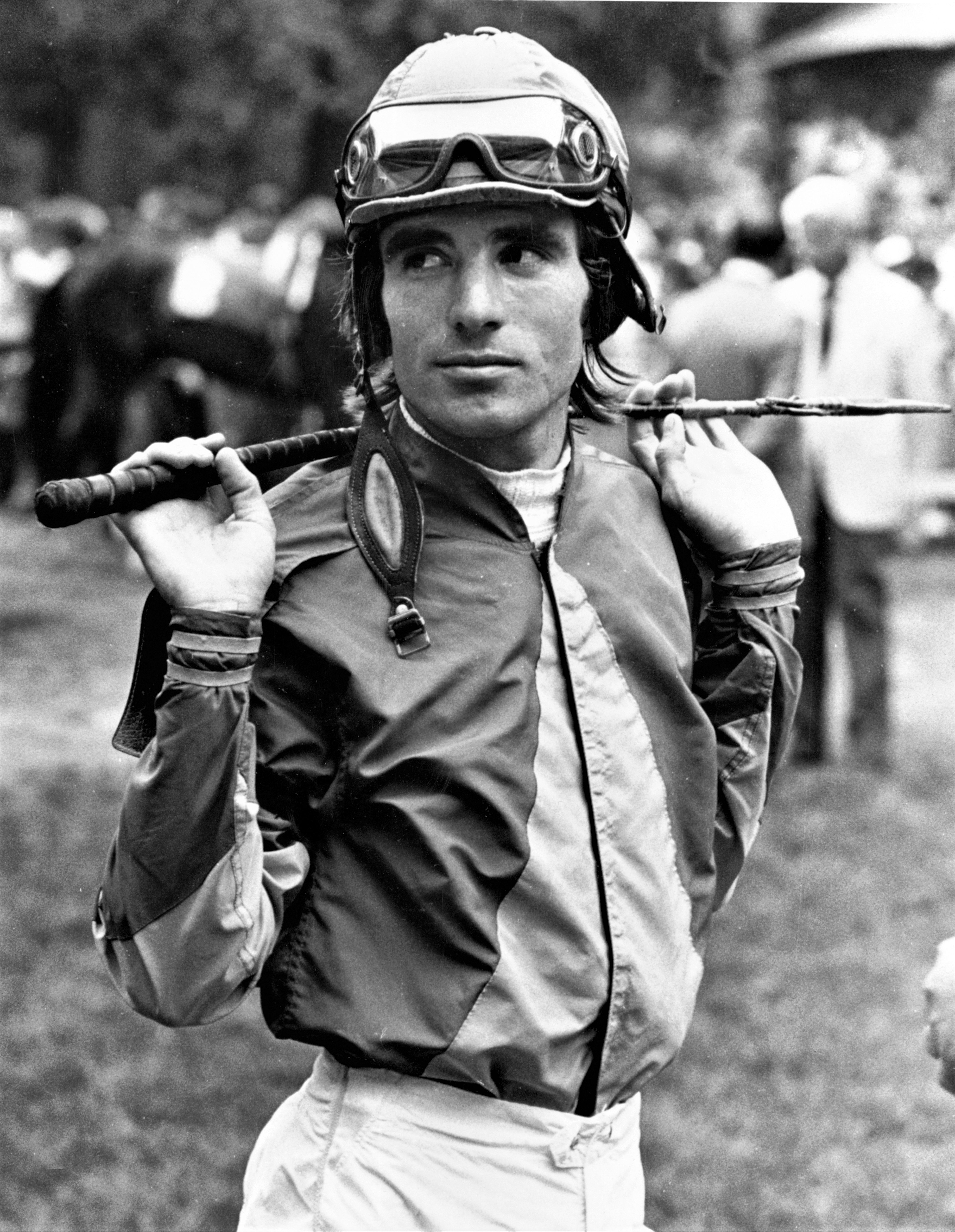 Darrel McHargue in the paddock, October 1985 (Keeneland Library Thoroughbred Times Collection)