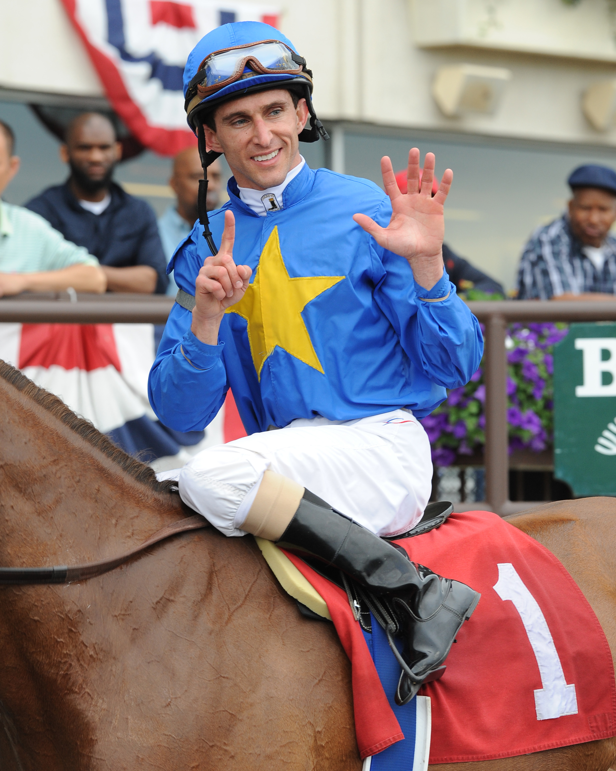 Ramon Dominguez aboard Hessonite (NYRA)