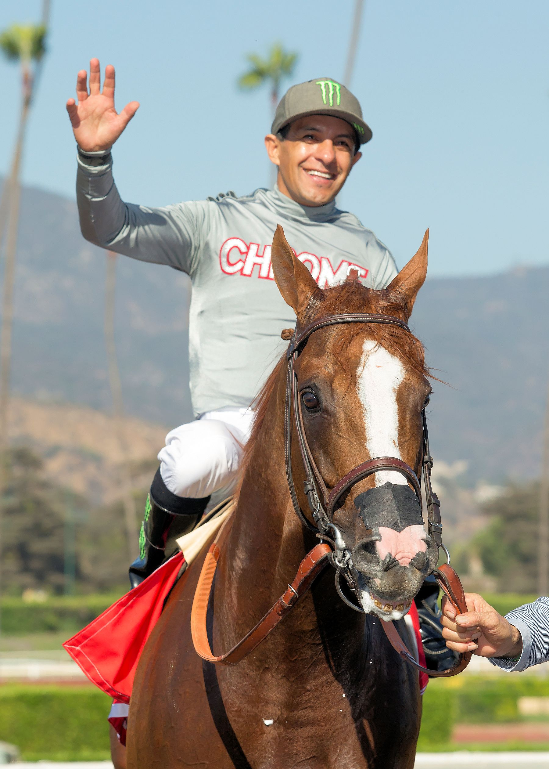 Victor Espinoza aboard California Chrome (Benoit Photo)