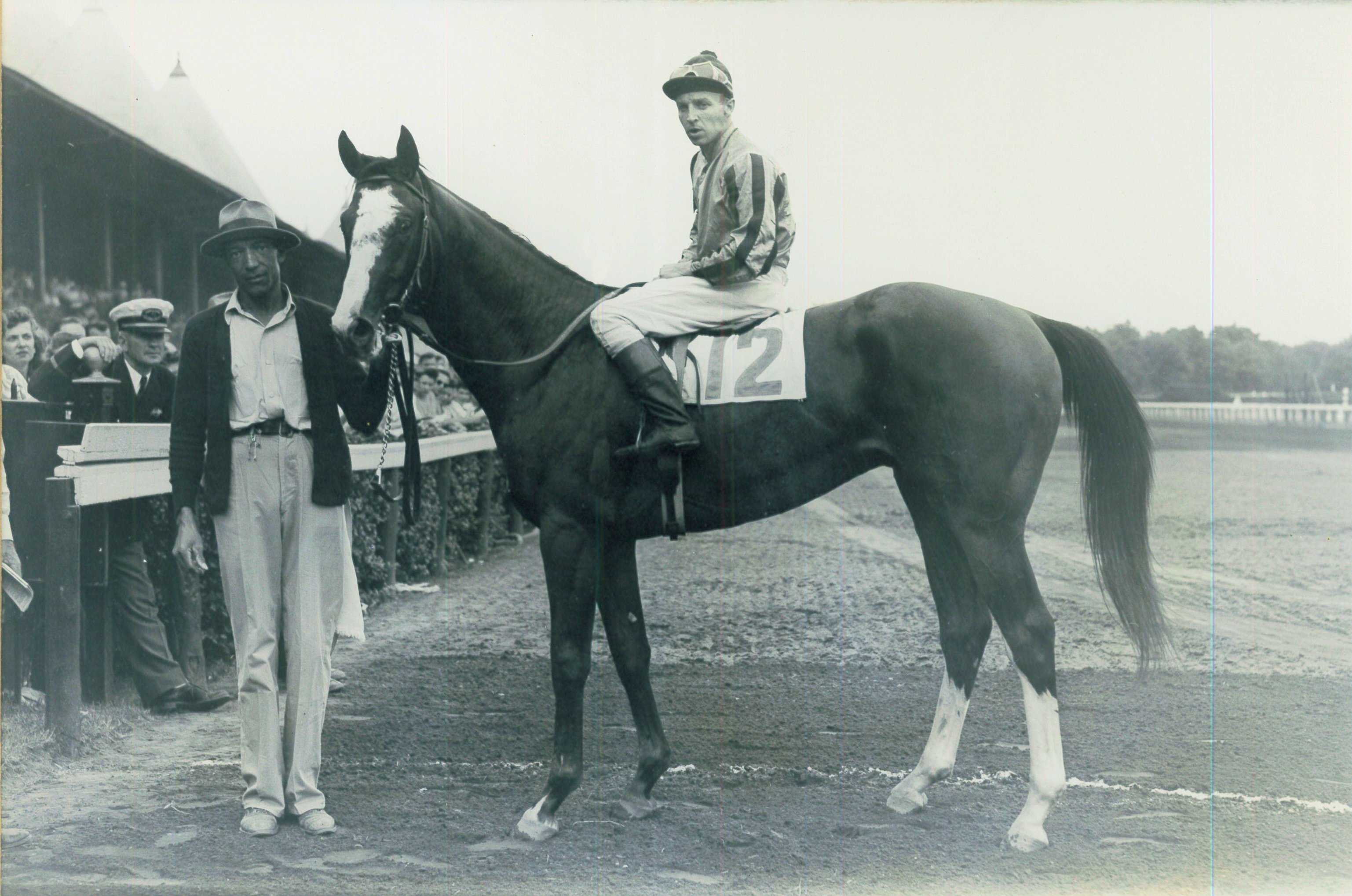 Wayne Wright aboard Gastapo after winning the 1946 Flash Stakes at Saratoga (Bert Morgan/Museum Collection)