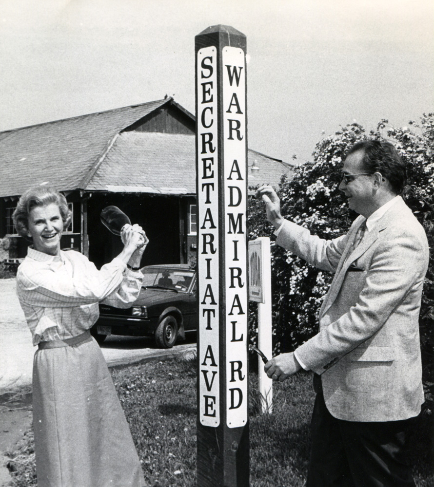 Penny Chenery and Gerald J. McKeon christen the new Secretariat Ave. at Belmont Park, May 1985 (NYRA/Museum Colleciton)