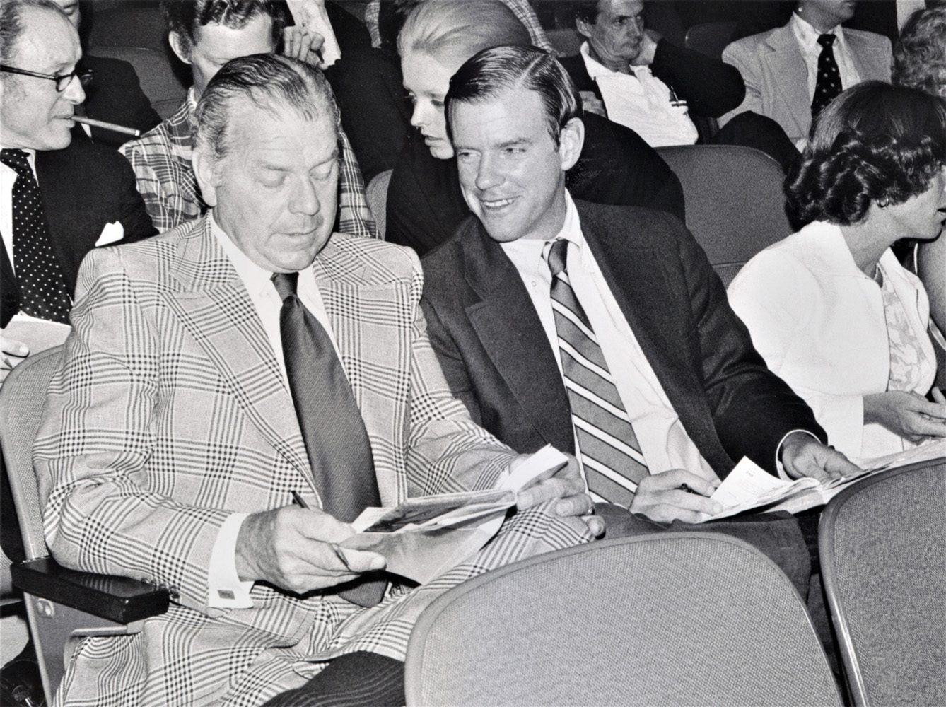 Dell Carroll and William S. Farish III at the sales, January 1979 (Keeneland Library Featherston Collection)