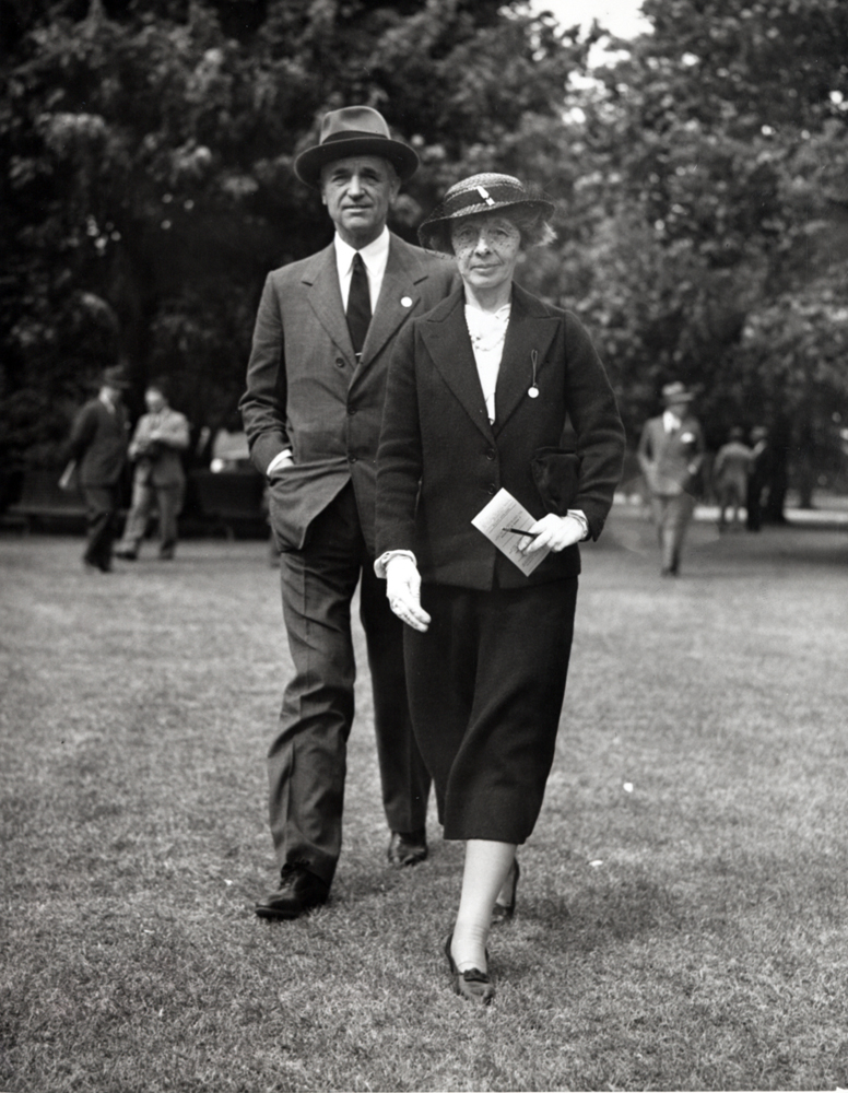 Mr. and Mrs. Henry Carnegie Phipps at Belmont Park in 1935 (Keeneland Library Thoroughbred Times Collection)