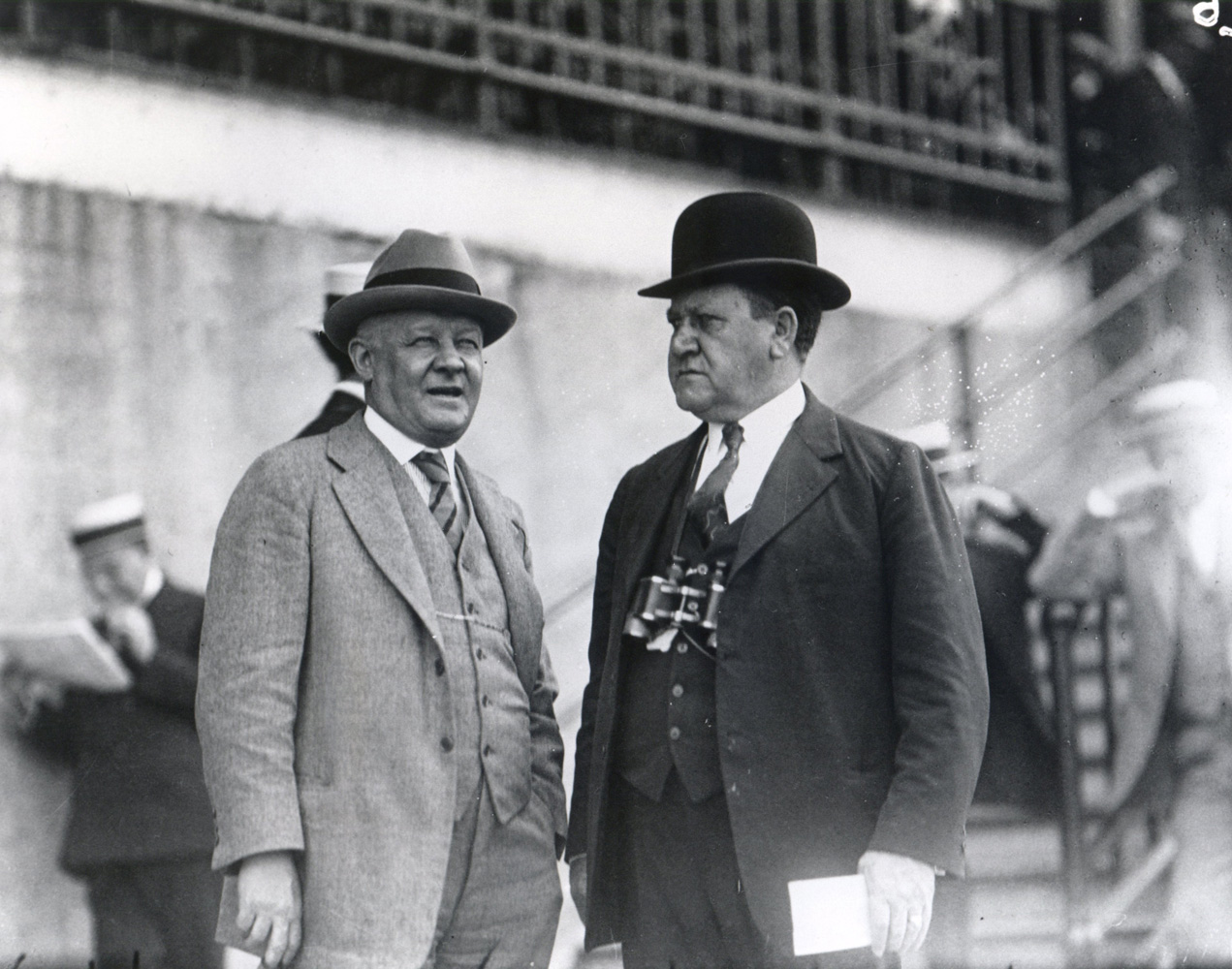 Fred Burlew (on right) with an unidentified man (Keeneland Library Cook Collection/Museum Collection)