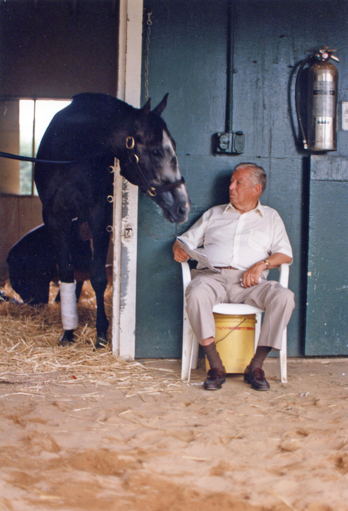 Jimmy Croll visiting with Holy Bull in the barn, July 1994 (Barbara Ann Giove Coletta/Museum Collection)