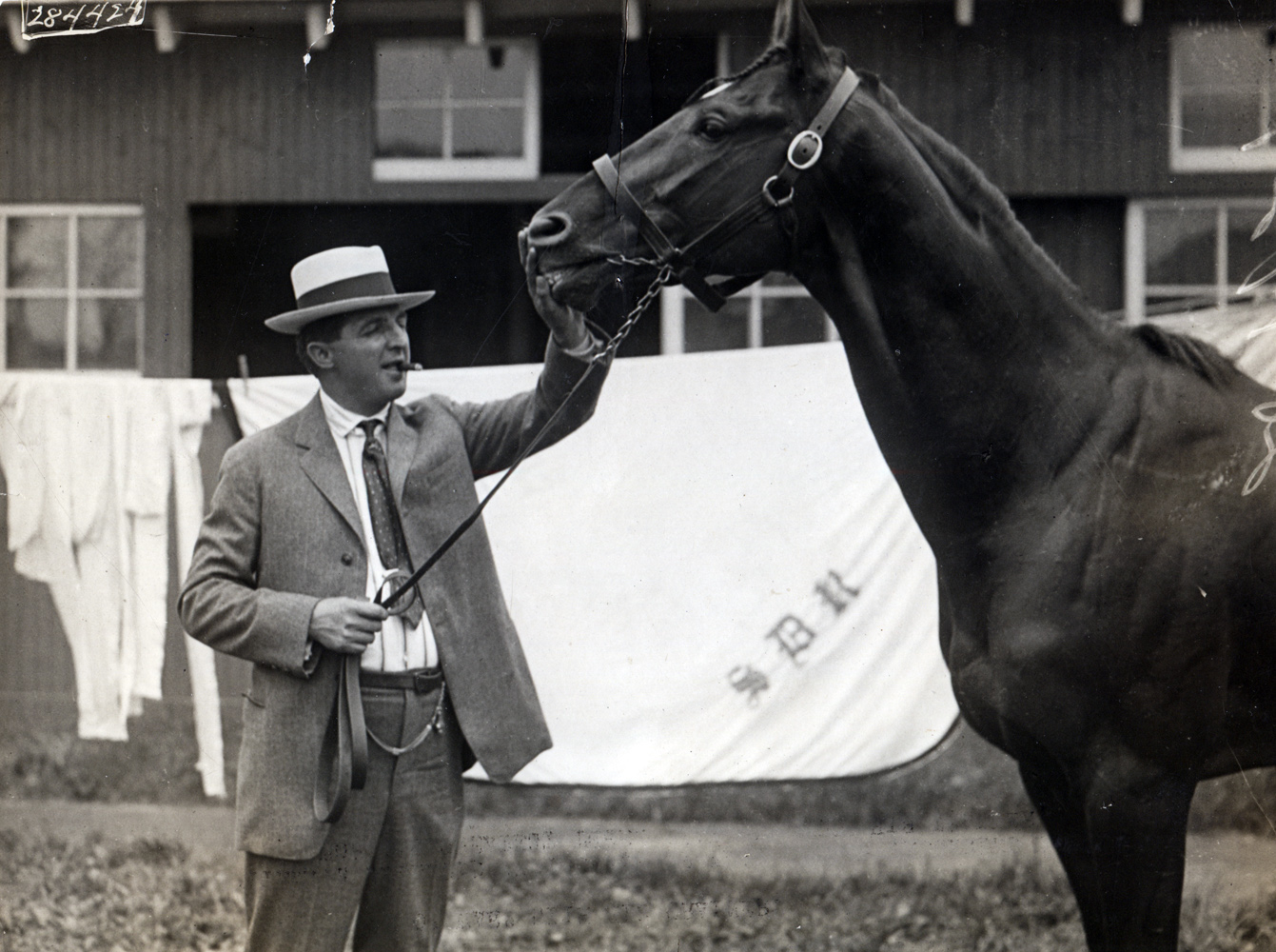 Louis Feustel and Man o' War (Brown Bros./Museum Collection)