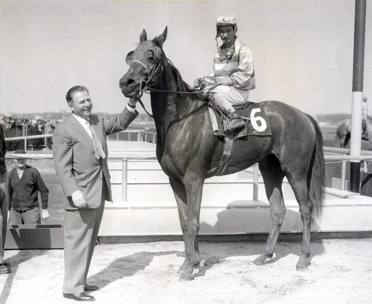 Hirsch Jacobs celebrates his 3,000th career win with Blue Waters in April 1960 (Bert and Richard Morgan/Museum Collection)