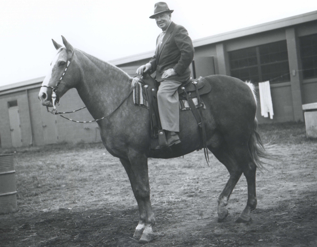 William Molter on a stable pony at Aqueduct, September 1959 (Keeneland Library Morgan Collection/Museum Collection)